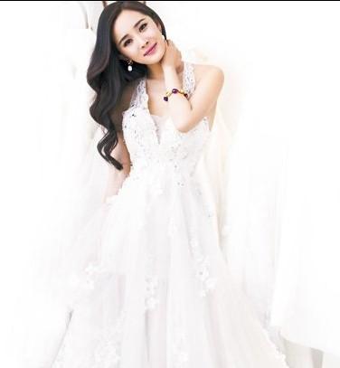 小狐狸杨幂的婚纱照