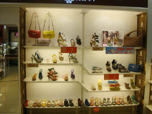 鞋柜产品图片_鞋柜店铺装修图片-全球加盟网