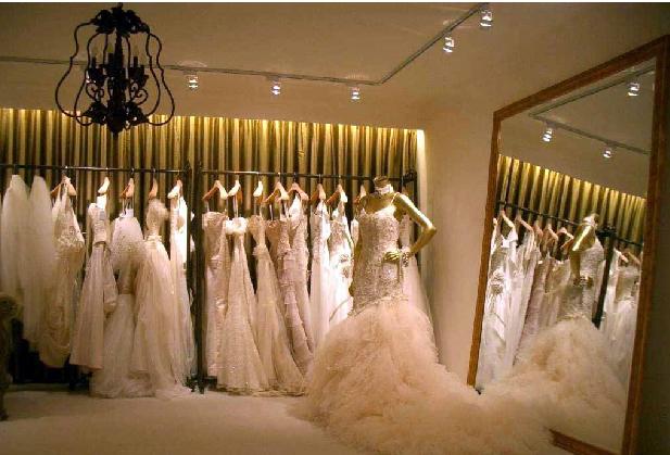 婚纱礼服专卖店加盟店面