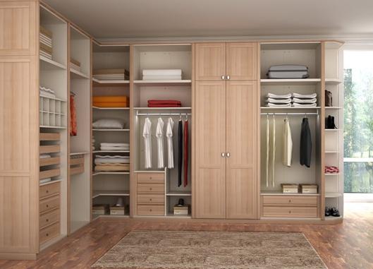 定制整体衣柜比请木工定做衣柜更加划算