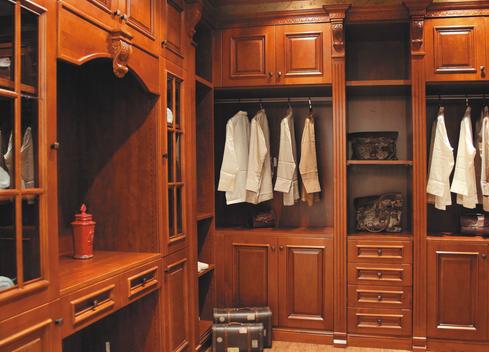 为什么要选择实木衣柜定制