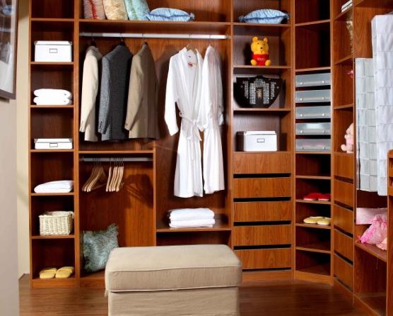 衣柜内部结构由哪些部分组成?