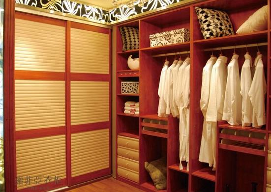 美式风格组合衣柜
