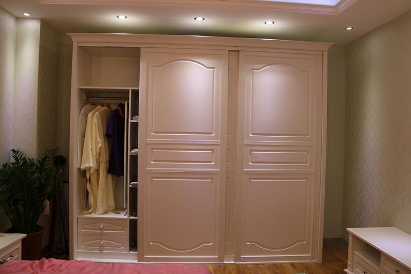 整体衣柜十大品牌之一:亚丹