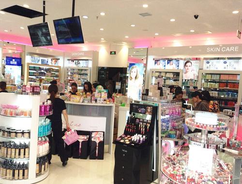 香港莎莎化妝品加盟店面