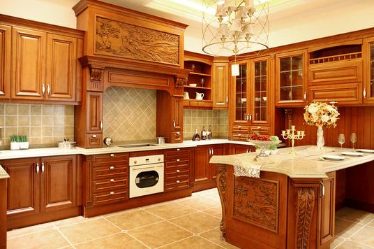 实木橱柜门板的主要种类:白椿木