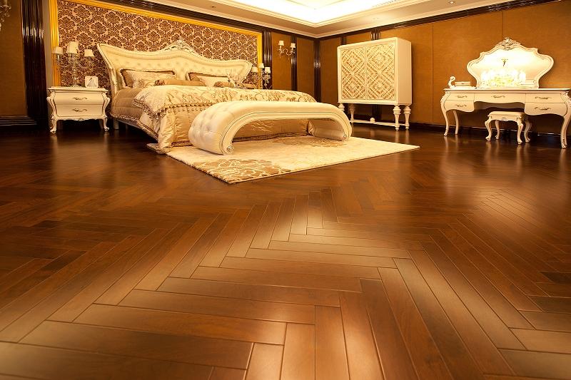 實木淋漆地板