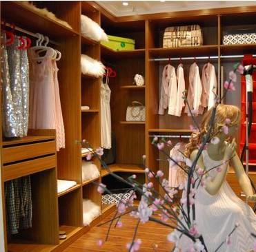 瑞丽宜家衣柜