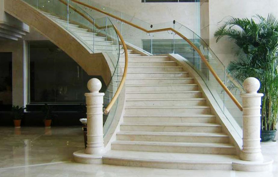 公司目前拥有全实木中式楼梯