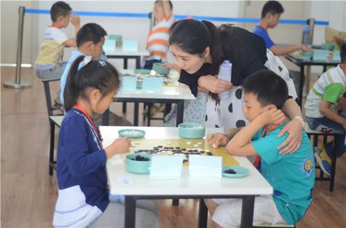 郑州儿童围棋培训班图片