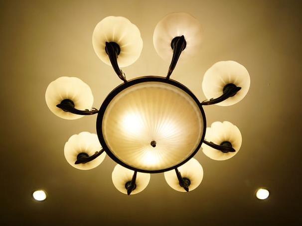 全亮光源灯具