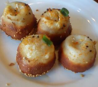 鲍鱼蟹黄生煎包