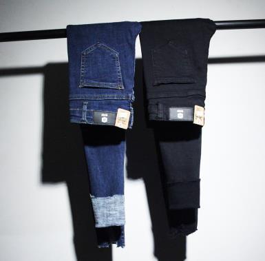 栾诺牛仔裤