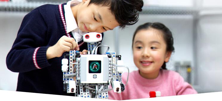 能力风暴教育机器人加盟