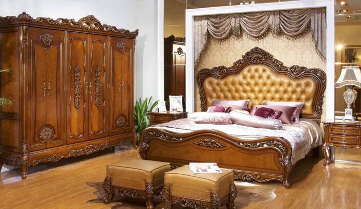 欧式家具代表着一种精致,一种生活方式。现在无论年轻人还是上了年纪的业主,都喜欢上欧式的细腻。欧式家具比起中式更明丽,大气和贵气。欧式实木家具结合了实木家具与欧式家具的共同优点,同时延伸出了更具有特色的风格特,近年来在国内备受欢迎。那么,想看看欧式实木家具品牌排行榜吗?