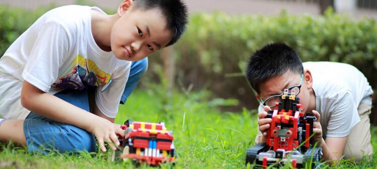 格物斯坦机器人教育加盟