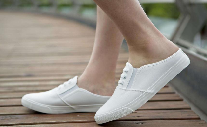 宁波城隍庙左只右只美鞋公社加盟