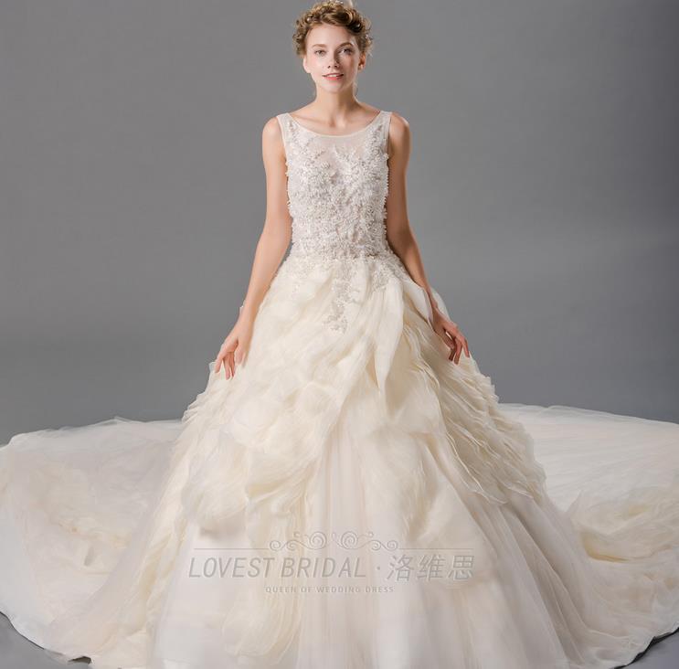 洛维思婚纱