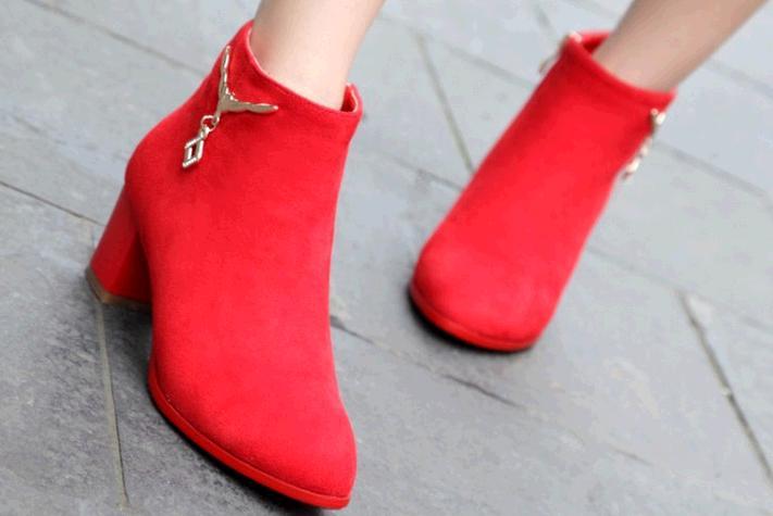 靓度女鞋加盟