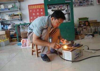 铁骆驼蓄电池系列维修设备怎么样