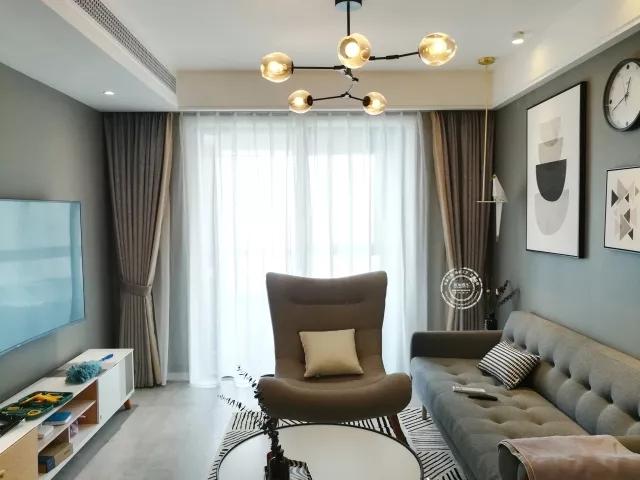 不论是沙发还是灯具,无不透露着另一种风情.图片