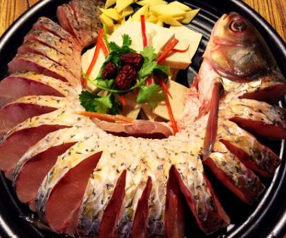 鱼坊石锅火锅
