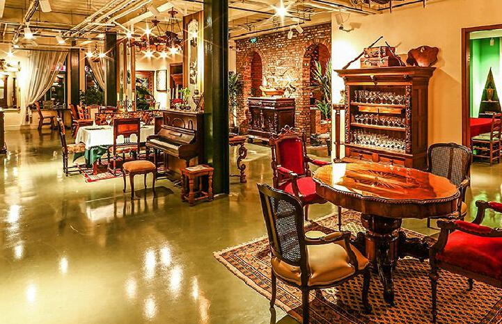 LC欧洲古董咖啡店