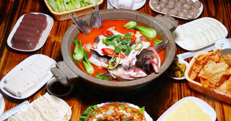 园岭石锅鱼火锅加盟