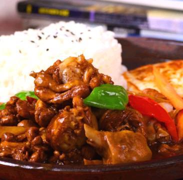 天之翔黃燜雞米飯