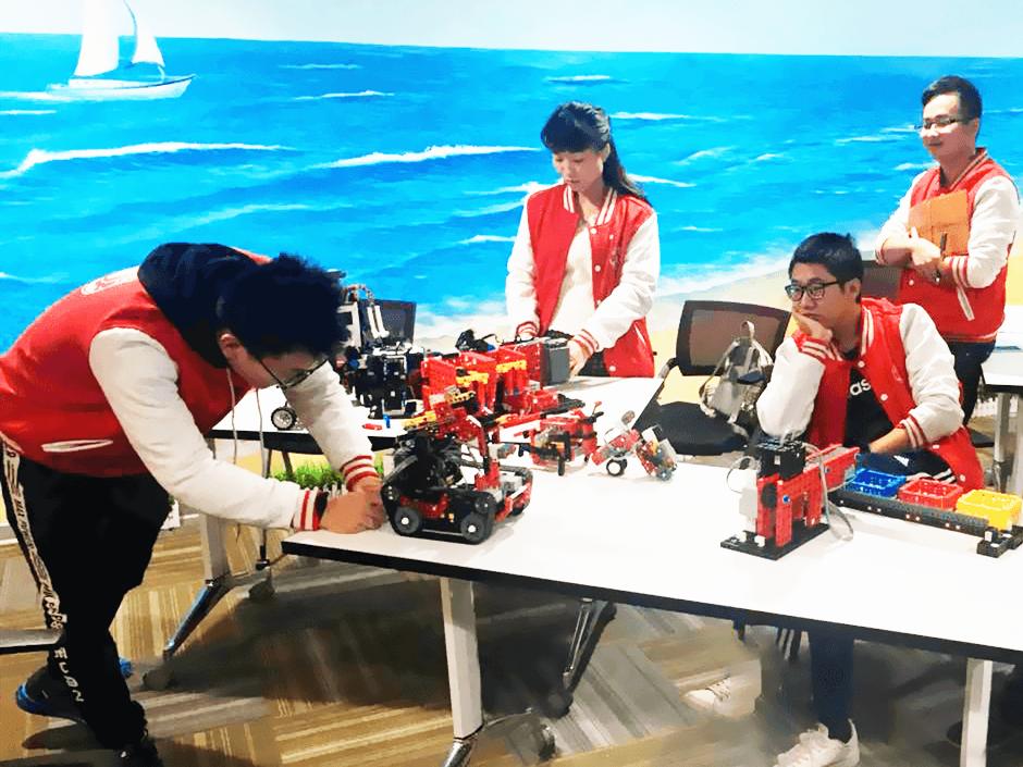 【格物斯坦机器人一阶教师第23期师资培训让创意发生……_格物斯坦