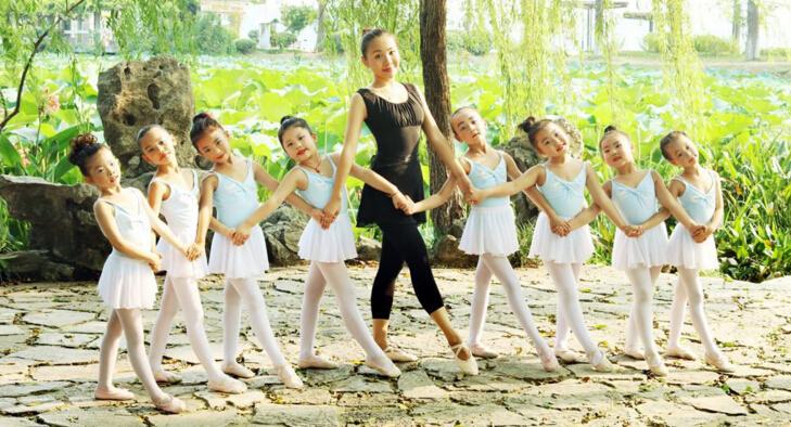 小天鹅艺术中心舞蹈培训