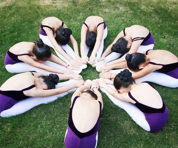 小天鹅艺术中心舞蹈训练