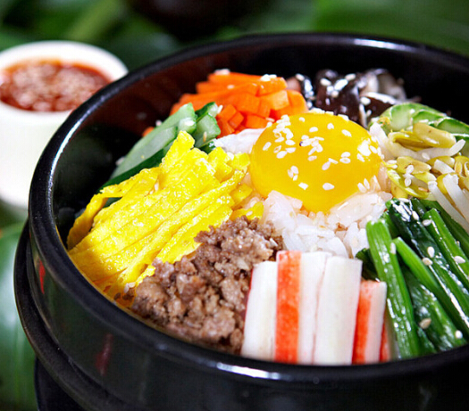 自然稻米线石锅拌饭