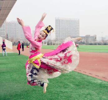 小百合国际艺术教育-跳跃