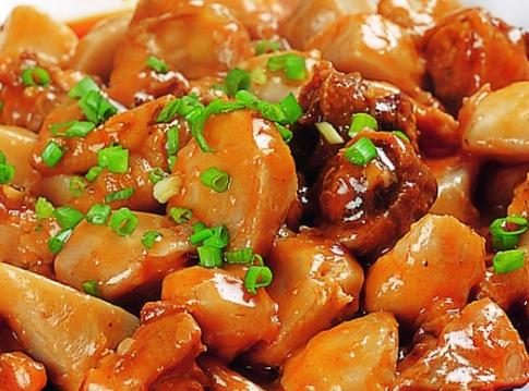 苗寨笋子芋儿鸡美食