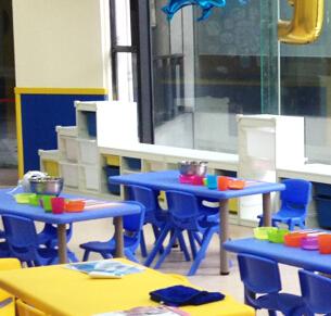 新里程学科英语课桌