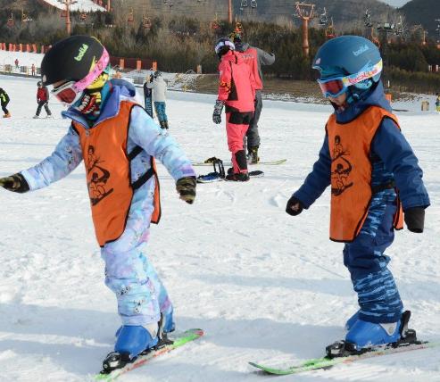 雪乐山滑雪小朋友