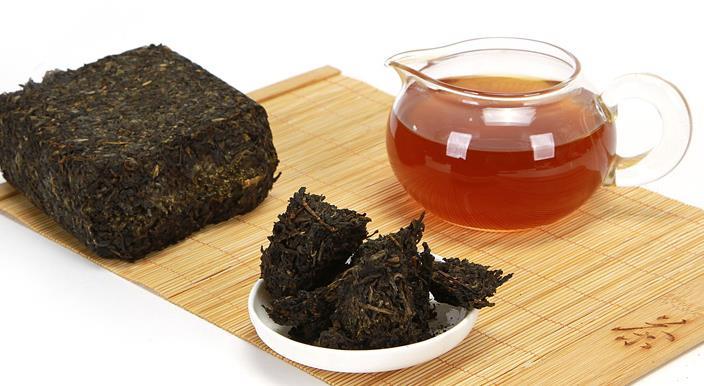 安化黑茶泡制后的黑茶