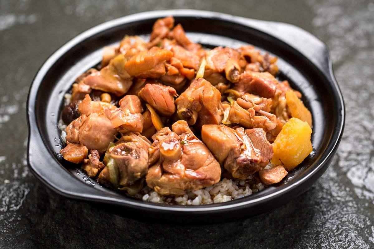 黄闷鸡米饭