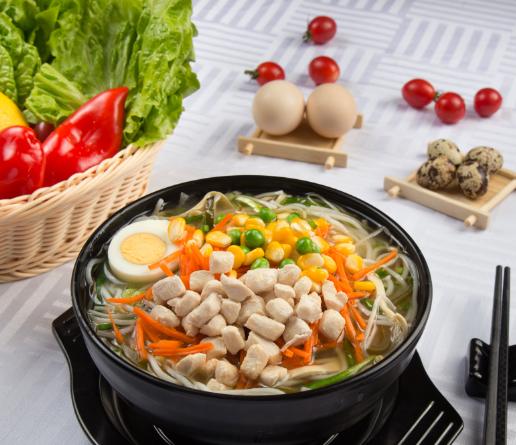 小锅玉米鸡丁米线