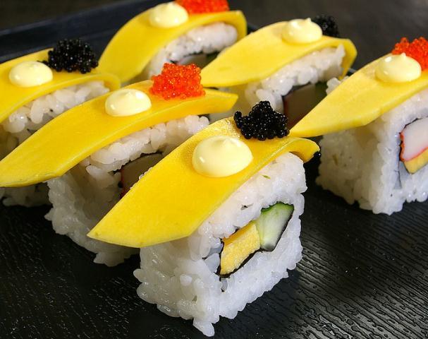 嘿店寿司小吃黄桃