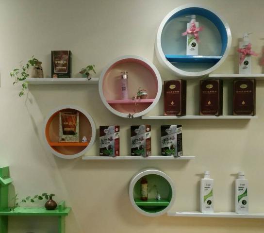 禾草青专业植物染养发店面实景