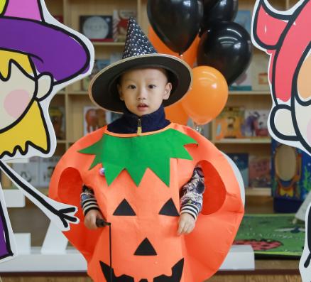 斯迪孚國際幼兒園聯盟節日服裝