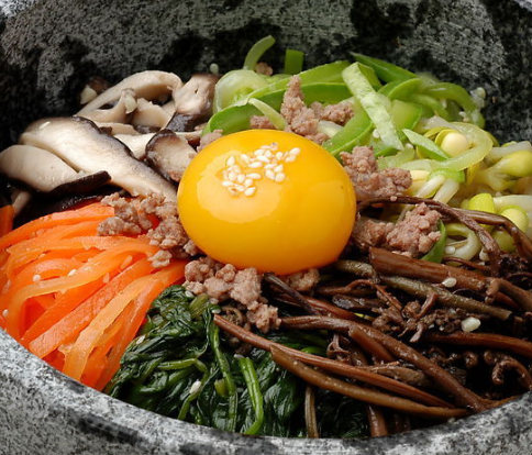 美石记石锅拌饭简单