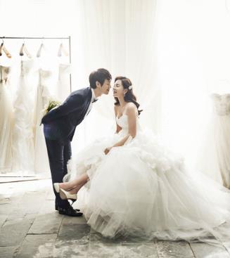 金夫人婚纱摄影室内婚纱摄影