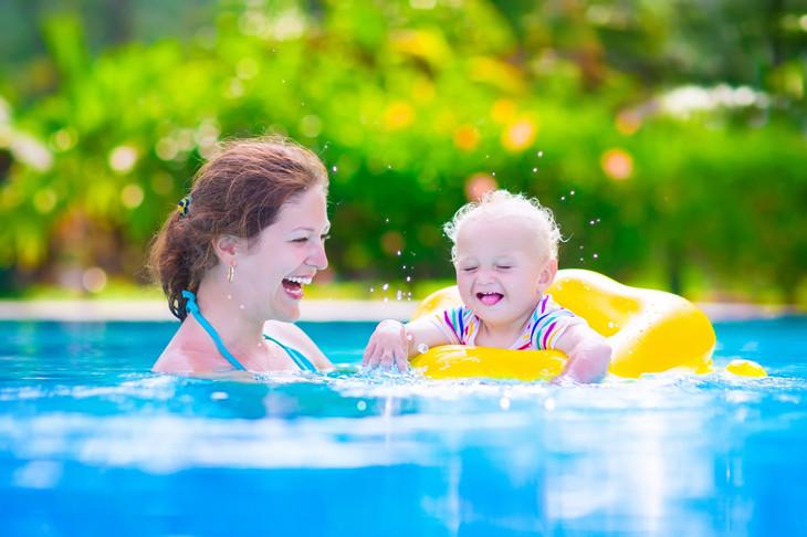 家有儿女婴幼儿水育