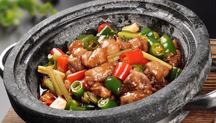美石记石锅拌饭美味