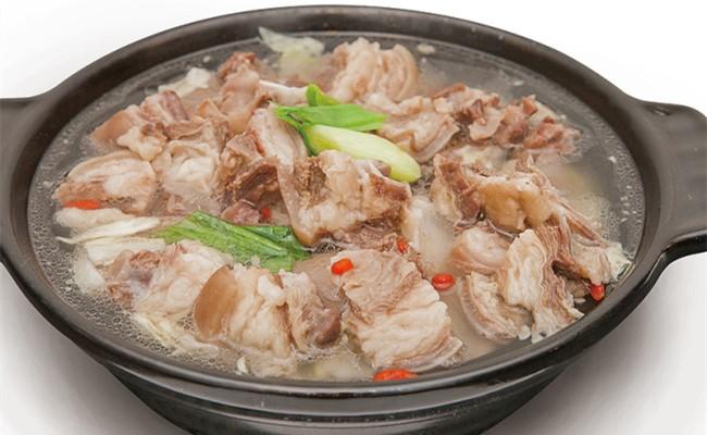 小忠羊肉庄火锅养生枸杞锅