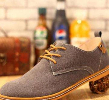 温尔缦老人鞋棕色