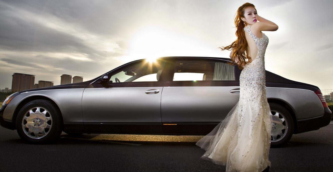 爱卡汽车美容装饰美女